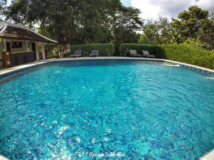 Tharaburi Resort : Swimming pool